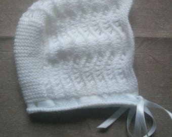 White knitted newborn bonnet Hat