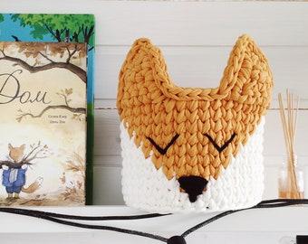 Crochet basket sleepy fox / Animal nursery decor / Nursery storage / Nursery basket / Nursery decor / Animal nursery basket / woodland decor