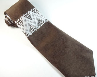 "Vintage 1970s Tie Wide 4 1/2"" Carson Pirie Scott Brown White Necktie"