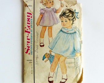 Advance Sew-Easy 3280 Toddlers Smocked Dress 1960's