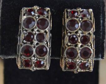 Dark Garnet Rhinestone Clip Earrings, Gold tone, Vintage (K2)