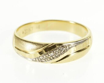 10k Diamond Scalloped Brushed Finish Wedding Band Ring Gold