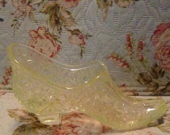Vintage Fenton glass yellow shoe