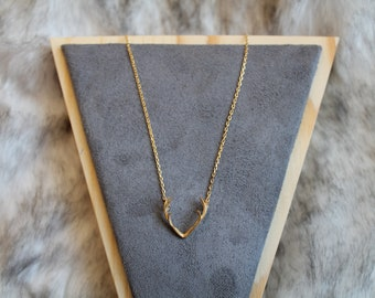 Antler Dainty Necklace