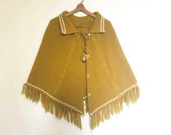Vintage Chartreuse Knotted Fringed Pancho