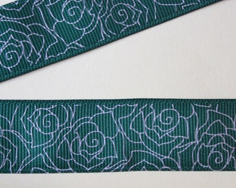pretty Dark Green Ribbon flower silver