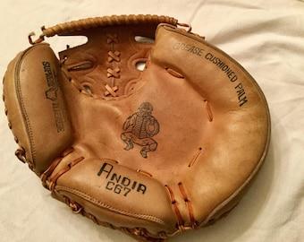 Vintage Anda C 67 catchers mitt, glove