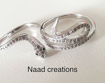 Double ring with Snake