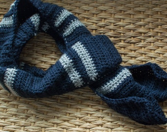 Mens Crochet Scarf with stripes