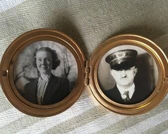 Vintage Pendant Photo Locket 40's Couple Mourning locket