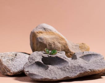 Gold Scalloped Earrings / Delicate Jade Earrings