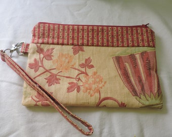 Clutch Wristlet with detachable strap