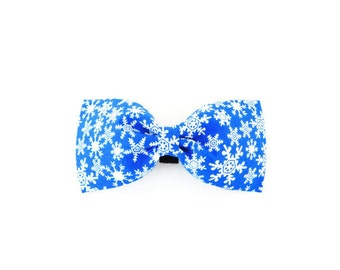 Blue snowflake dog bow, snowflake bow tie, winter dog bow, blue collar flower, snow cat bow,
