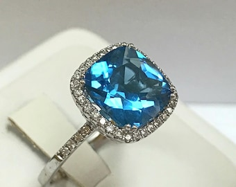 Beautiful 14K White Gold And Blue Topaz Diamond Ring! Size 9 3/4