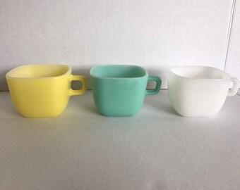 Vintage Set Of 3 Glasbake Glassbake Lipton Square Mugs Yellow, Aqua, White