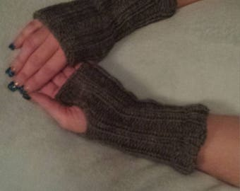 Hand knitted Womens Finger-less Gloves