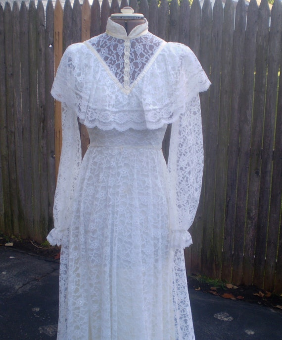 All Lace Wedding Dress: Vintage All Lace White Gown-size 5-6 Wedding Gown Hippie