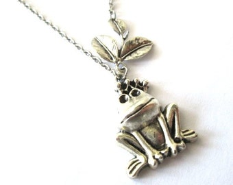 Silver frog necklace jewelry woodland necklace long chain, silver frog pendant, leaves with frog charm simple necklace
