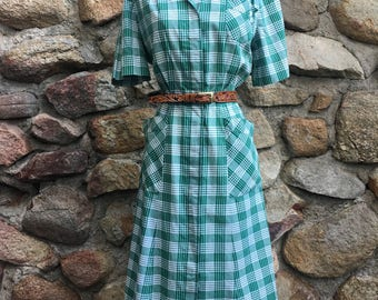 Vintage 1940's Green Plaid Cotton Day Dress with Fun Pockets