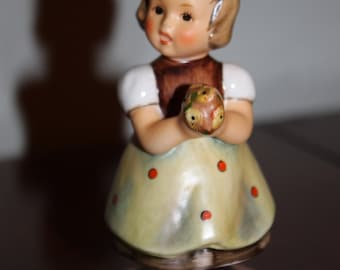 Vintage Rare Hummel Little Girl Holding Flowers For Mother Porcelain Figurine