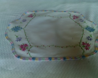Vintage Hand Embroidered Oval White Linen Doily Or Scarf