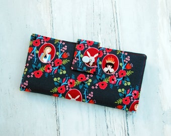 Vegan Wallet-Women's Wallet-Alice in Wonderland Wallet-Gift for Women-Credit Card wallet-Wallet for women-Gift for Wife