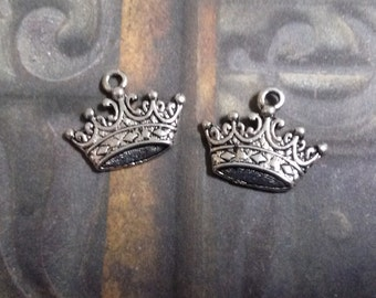 Crown Charms Antiqued Silver Queen Charms Royalty 17mm 10 pieces SAMPLE