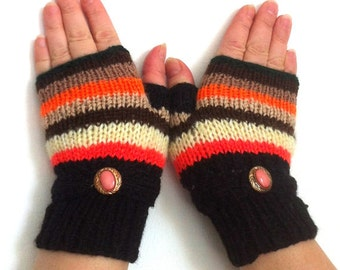 Fingerless gloves  with  colorful strips