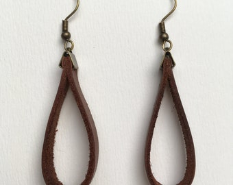 Loop 1 - brown leather and antique brass earrings