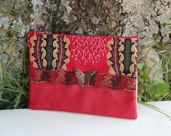 Red fabric clutch / patterns