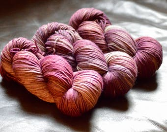 Hand dyed tonal yarn - Fingering weight - Poison