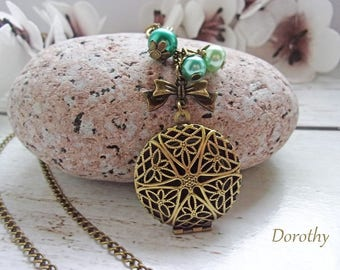 Bronze Locket necklace with green beads