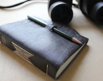 Birdwatchers leather journal // birding log // fill in the blank