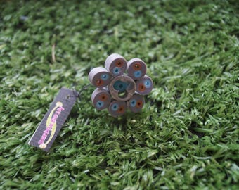 Electric blue and gray flower ring