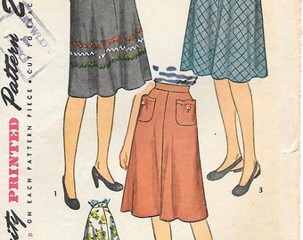 Waist 26-Simplicity 1659 UNCUT 1940s Skirt with Hip Pockets Vintage Sewing Pattern Flared