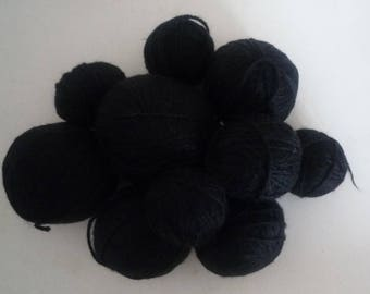 Set various black wool blend yarn