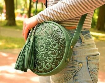 leather round bag,circular leather purse women,small crossbody bag,handmade circle bag,round leather bag,leather handbag,green leather purse