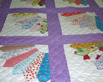 Grandmothers Fan Patchwork Quilt Vintage Purple White