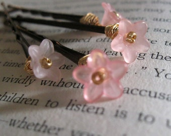 flower bobby pins ... shades of pink ...hairpins