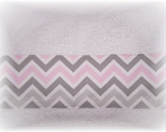 Pink Gray White CHEVRON Decorative Display Kitchen or Bath Room Hand Guest Towel