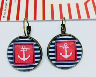 Sleeper framed anchor with red and blue and white stripes