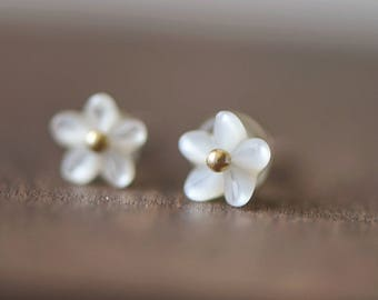10pcs White Mother of Pearl Shell Carved 3D Flowers 6mm, Flat Back Center Drilled  (#V1296)
