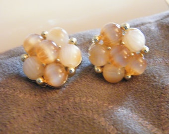 Vintage Circa 1960s Lisner Clip-On Earrings
