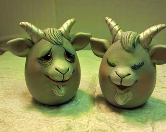 "Set of 2 Goat ""Eggs-Pressions"""