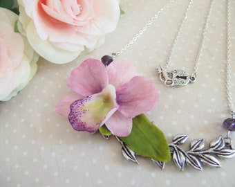 Leaf pendant necklace and its large orchid flower / Orchid flower necklace