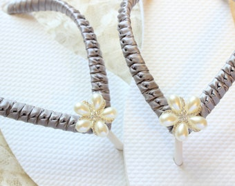 Bridal flip flops, Wedding shoes Flip Flops SILVER, Gray Bridal shoes, Bridal honeymoon gift, Destination wedding sandals, bride flip flops