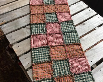 No. 55 Reds/greens Homespun Rag Tablerunner
