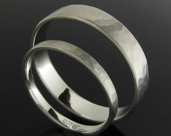Hammered Sterling Silver Wedding Ring Set, Flat Profile Silver Wedding Band Set, 4 x 0.8 mm and 2 x 0.8 mm, Satin Finish