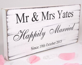 Personalised - Happily Married - Custom Free Standing White Vintage Wedding Table Sign / Plaque - Shabby but Chic -Aged - Handmade
