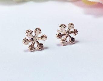 Rose Gold Snowflake Earrings,Snowflake Earrings,Snow Earrings, Rose Gold Studs, Rose Gold Dainty Earrings, Minimal Jewelry, Winter Gift Idea